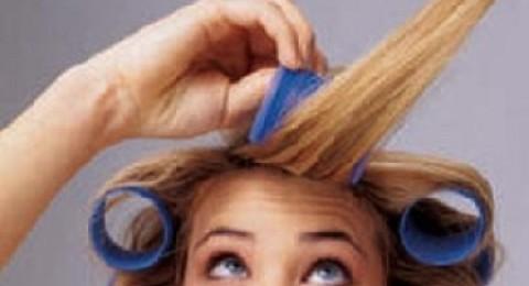 خطوات لف الشعر باللفافات الساخنة